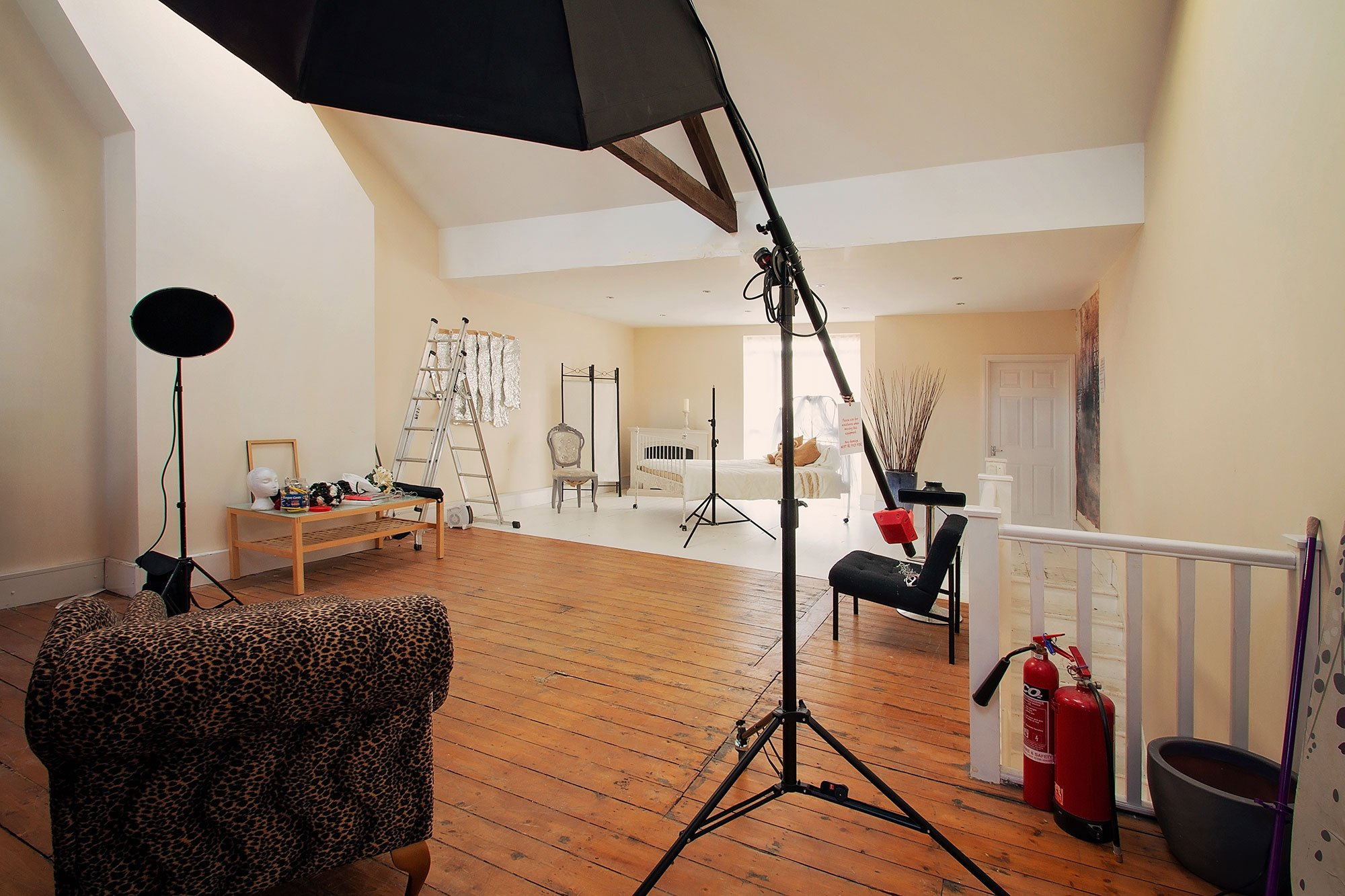 Studio_upstairs_boudoir_2
