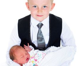 newborn and sibling photography in northumberland